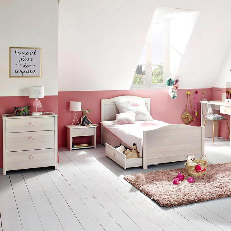 chambre de fille faites le plein d 39 id es d co blog but. Black Bedroom Furniture Sets. Home Design Ideas