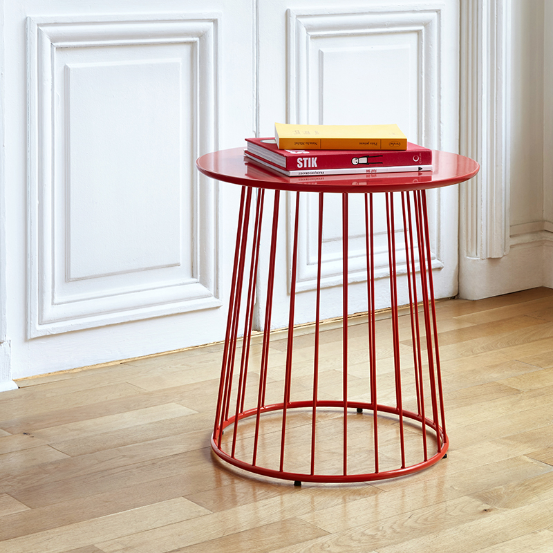 petite table basse rouge