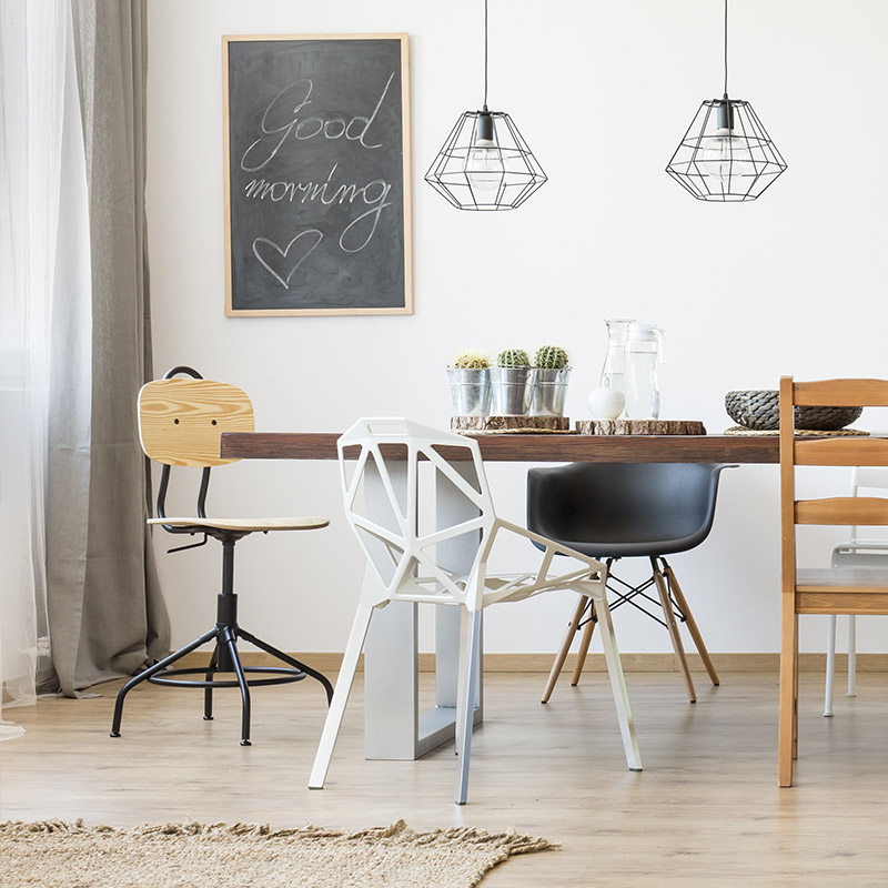 quelles chaises marier une table en bois 20 id es d co blog but. Black Bedroom Furniture Sets. Home Design Ideas