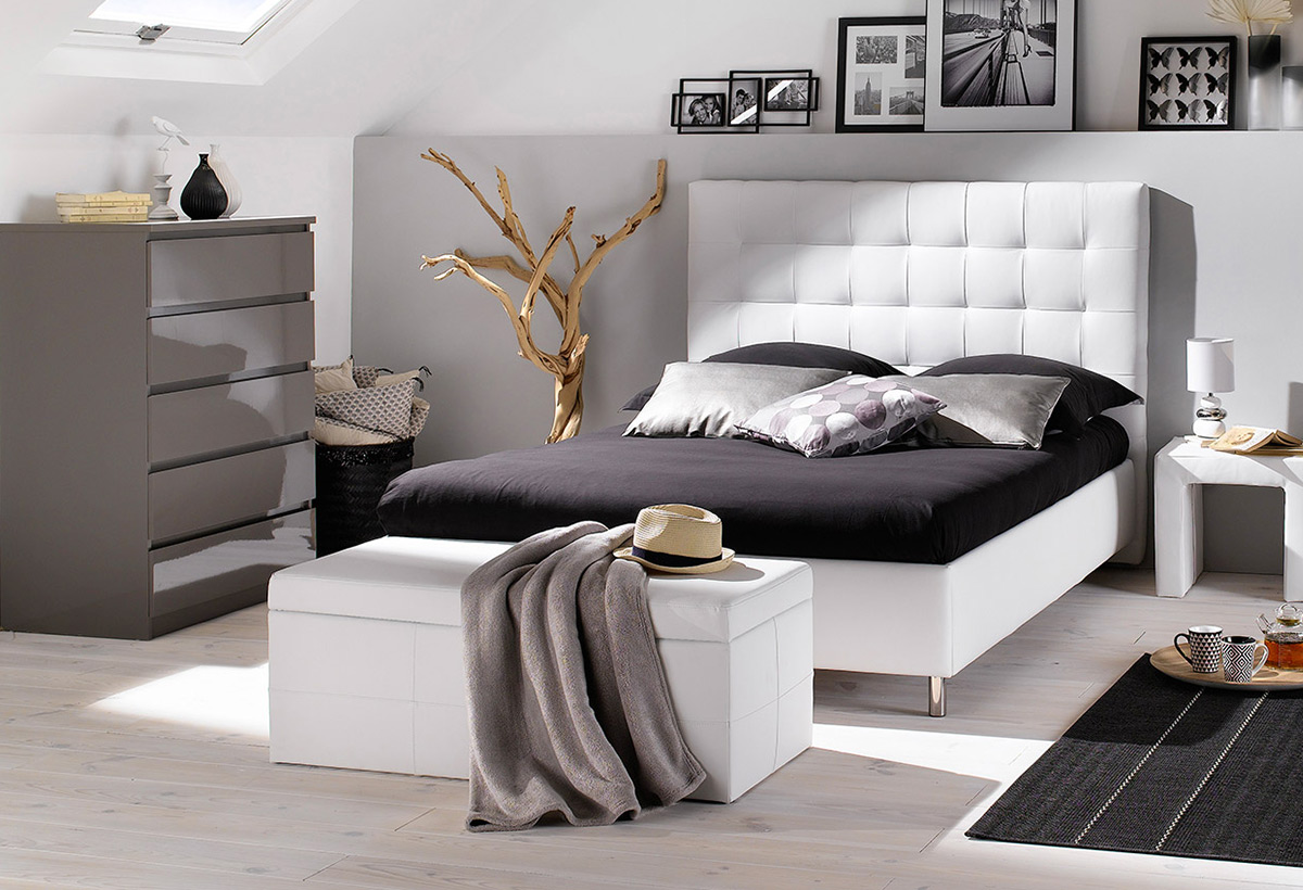 comment bien choisir vos pieds de lit blog but. Black Bedroom Furniture Sets. Home Design Ideas
