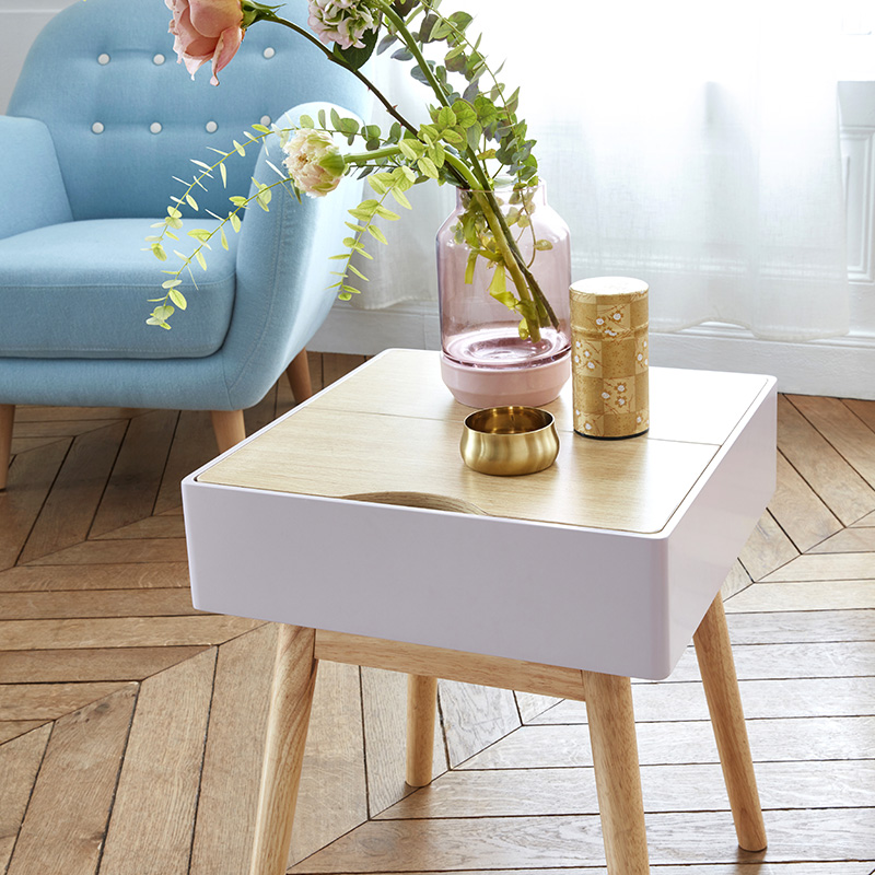 table appoint carrée