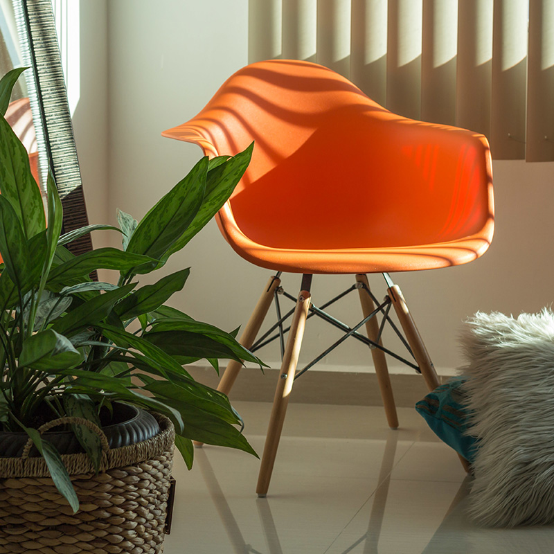 chaise eames orange