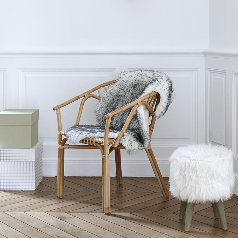 idee deco hygge fausse fourrure tabouret chaise