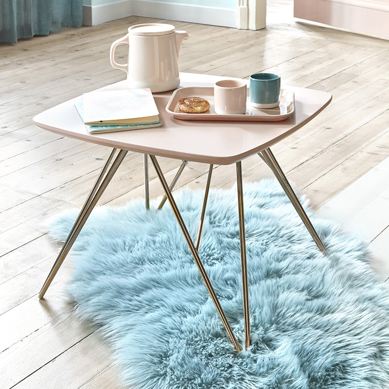 idee deco hygge table basse rose pastel